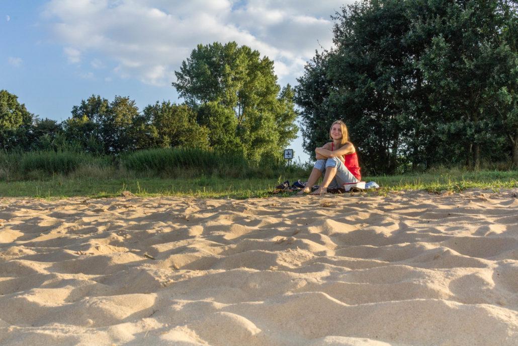 Entspannen am Strand im Weseruferpark