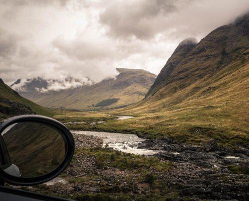 Mit dem Auto durch die Highlands
